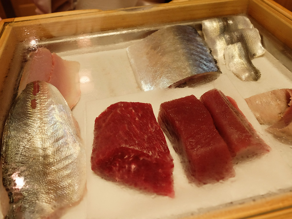 présentation de thon pour les sushis