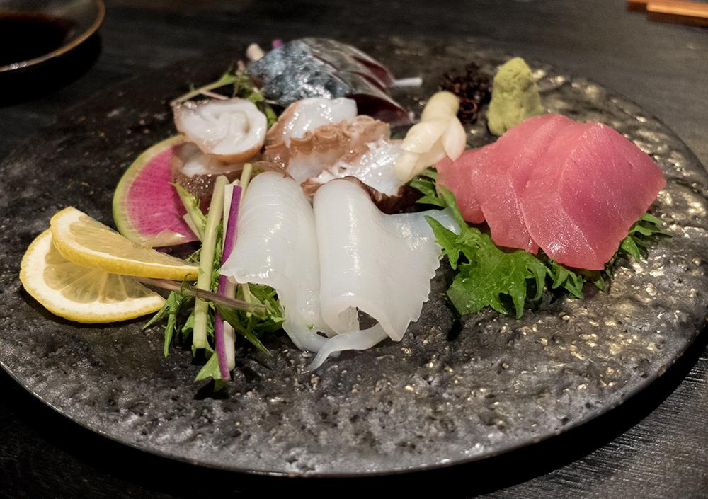 sashimis de seiche, poulpe, thon et maquereau - Izakaya Aitsuki あい月 Hiroshima