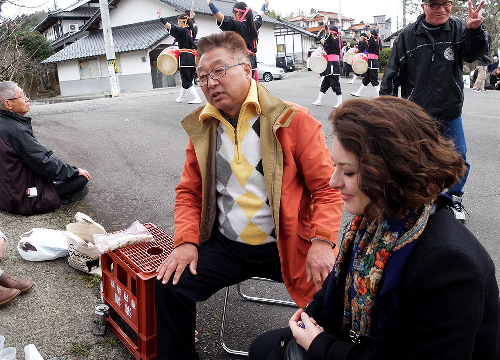 Vieil homme japonais dans un matsuri