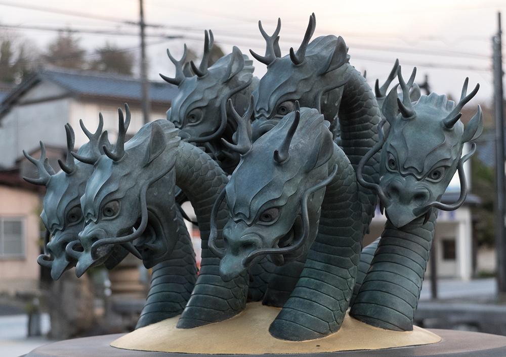 Yamata-no-Orochi (ヤマタノオロチ), dragon à 8 têtes, Tamatsukuri Onsen
