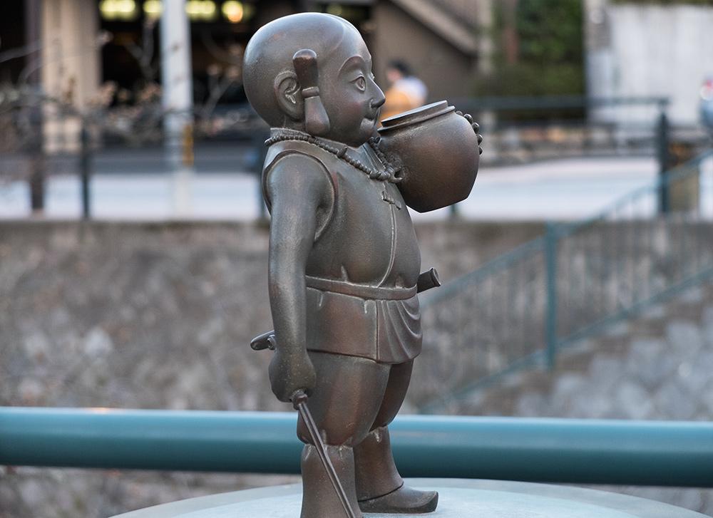 Statue du dieu japonais Susanoo