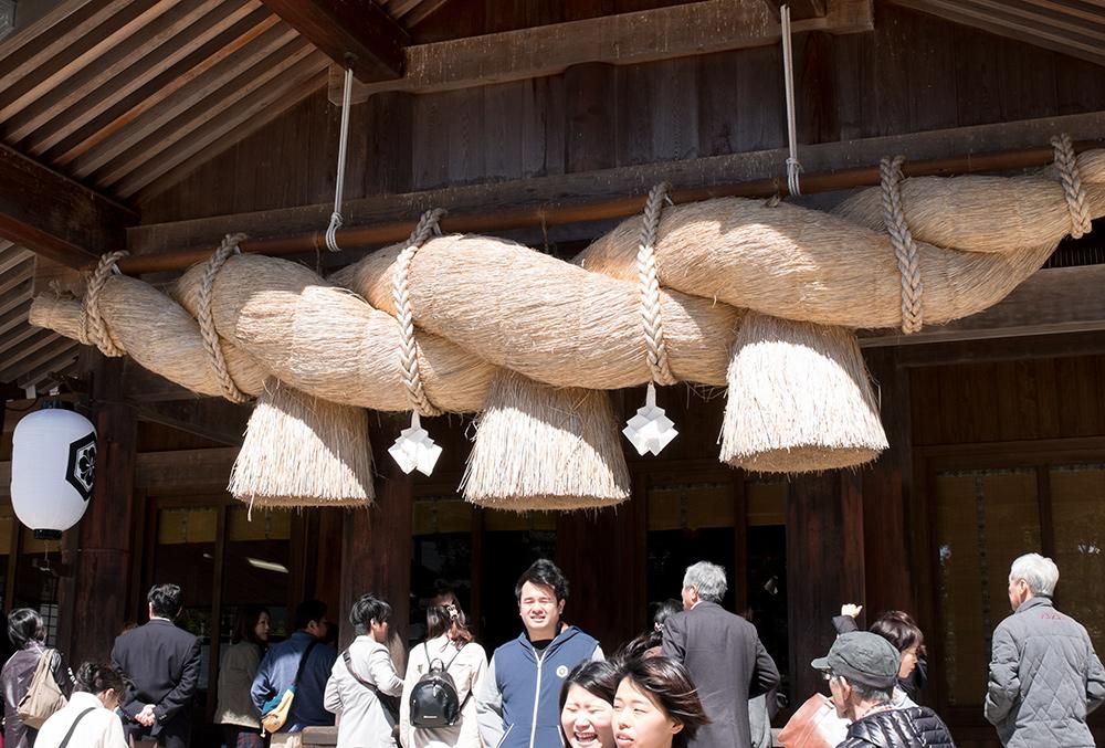 la corde shimenawa du haiden du sanctuaire Izumo Taisha