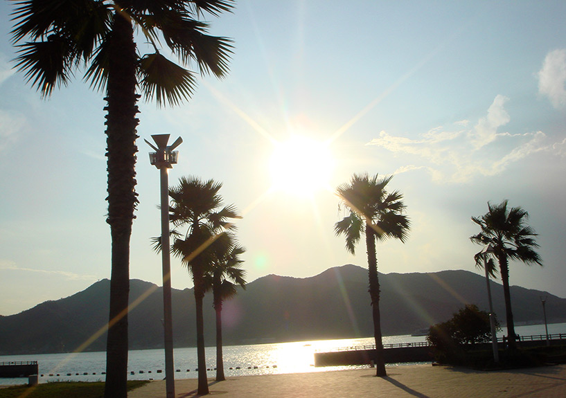 Fin d'après-midi sur la plage de Karugahama, Hiroshima