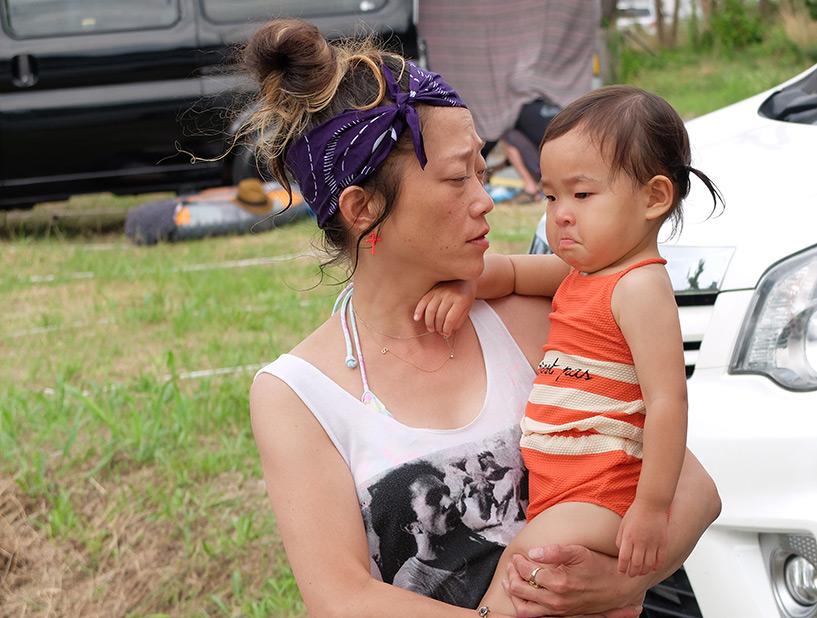 tata Shiho avec une petite fille