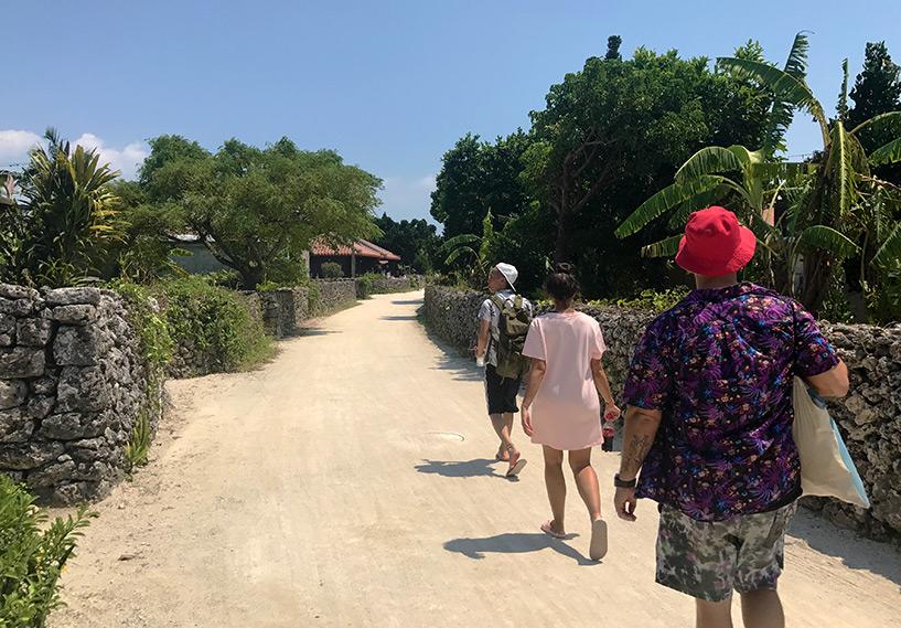 dans les rues du village de Taketomi-jima