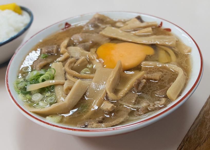 Ramen de Tokushima (simplement appelées Soba ou Chuka Soba sur place)