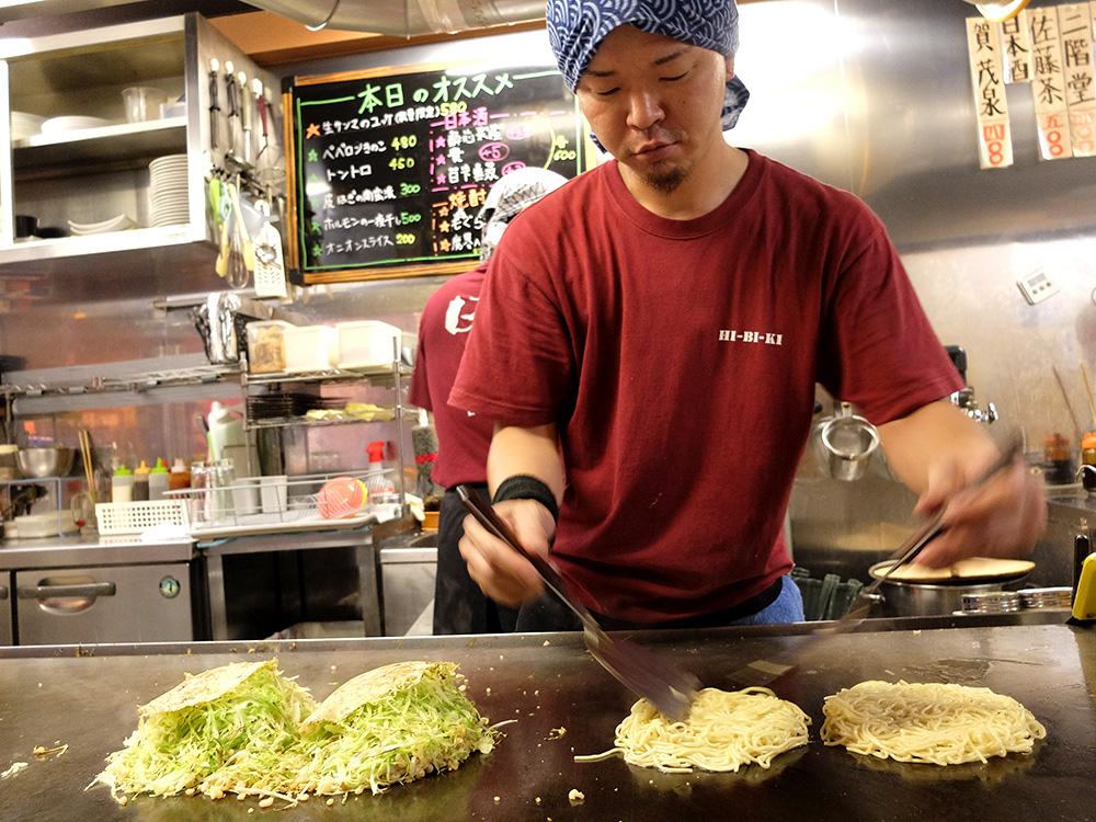 préparation des okonomiyakis