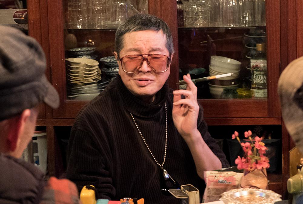 """""""Madame"""" propriétaire depuis 32 ans du snack-bar Chante ! à Hiroshima"""