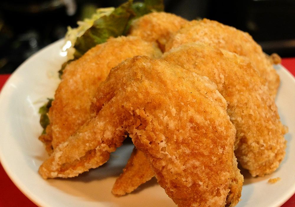 手羽先唐揚げ tebasaki karaage - ailes de poulet pannées, 850 yens