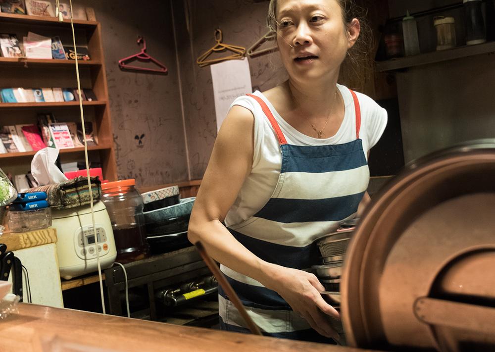 Shiho, patronne de ChoiChoi-ya, Hiroshima