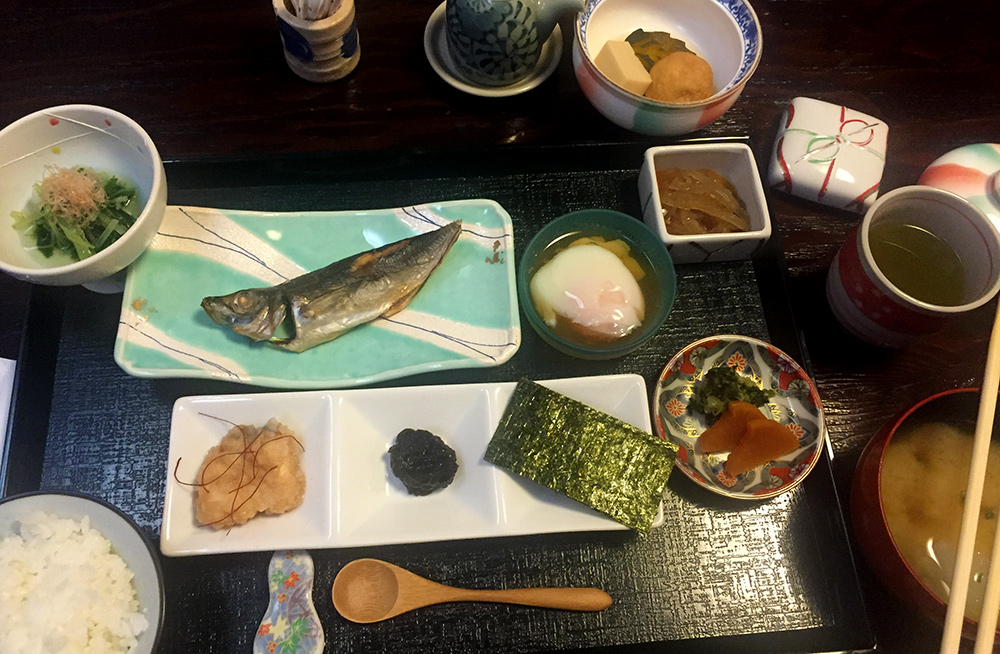petit déjeuner au ryokan Ichizen, Yufuin