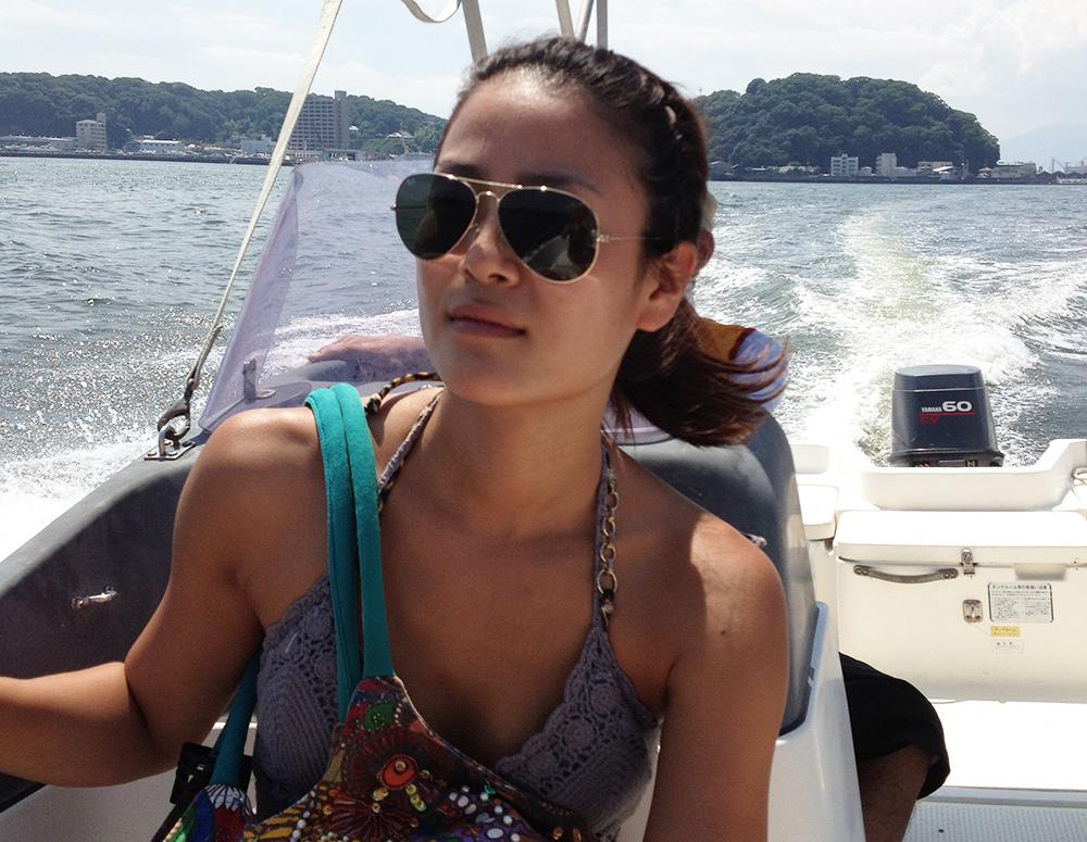 sur le bateau en route pour l'île Kanawajima