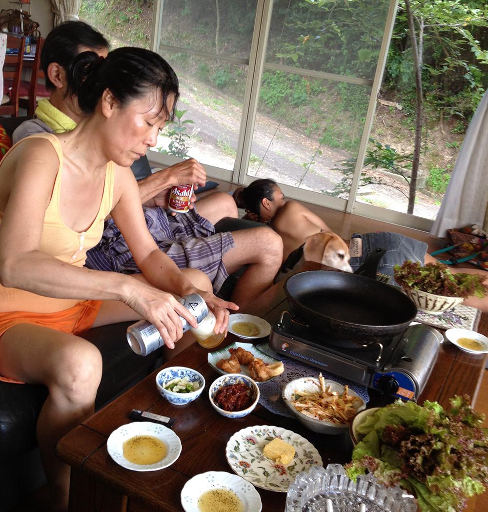 Samgyeopsal et chijimi dans la maison secondaire familiale (2012)