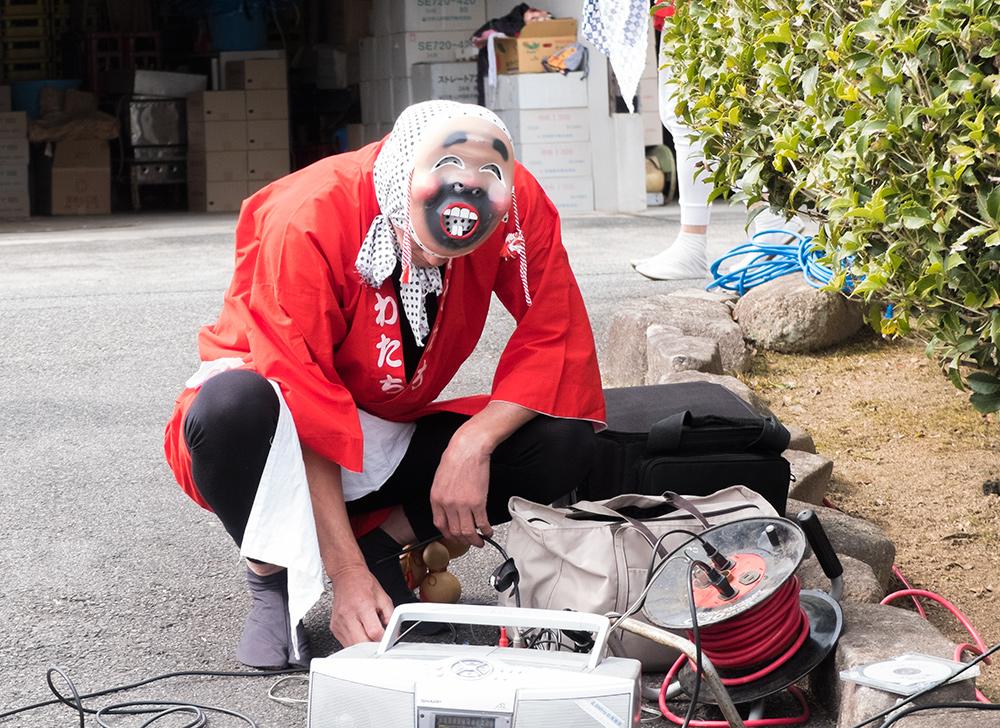 Hyottoko (ヒョットコ), danseur traditionnel japonais représentant un ivrogne