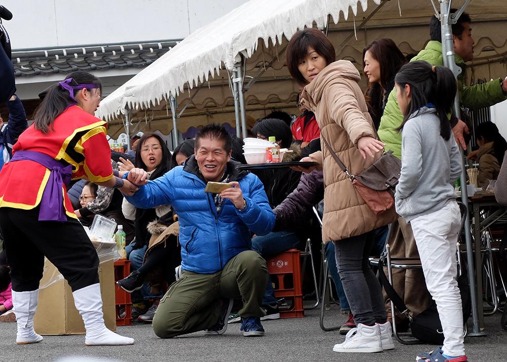 Japonais dans un matsuri