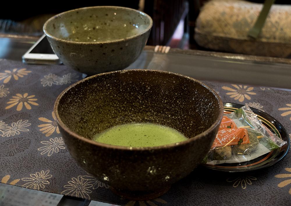 Thé vert Matcha et wagashi
