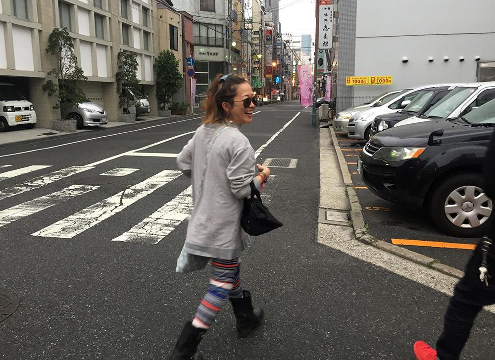 Shiho dans les rues d'Hirsoshima