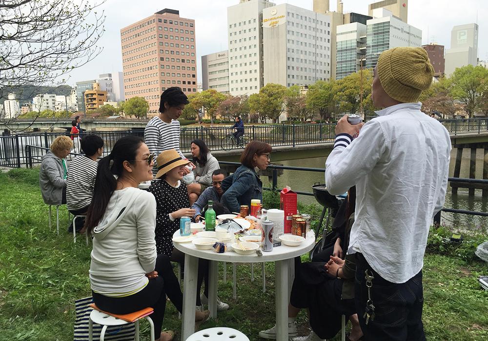 barbecue en bord de rivière à Hiroshima
