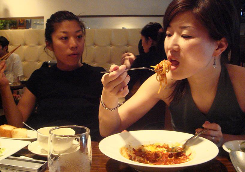 Pon et Miwa avec qui on essaie de communiquer tant bien que mal