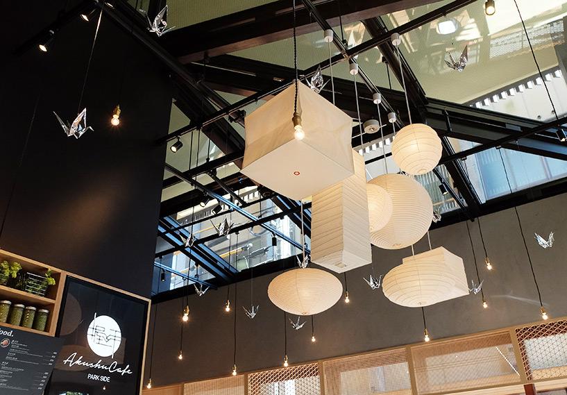 Jolis luminaires et mobiles en forme de grues origami
