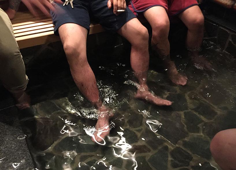 onsen pour les pieds (ashiyu) au restaurant Tamanoi, Hiroshima