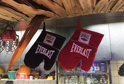 gants de cuisine et de boxe