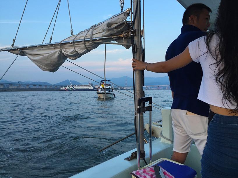 sur un bateau à Hiroshima