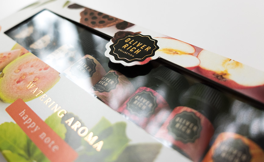 Packaging Logo et nom du produit impression dorure à chaud