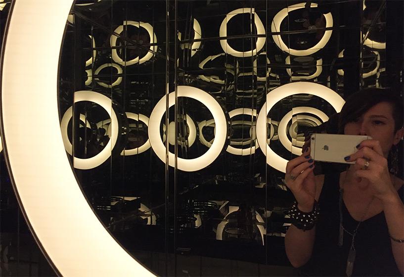 Les toilettes femmes, avec un air de 2001 Odyssée de l'espace