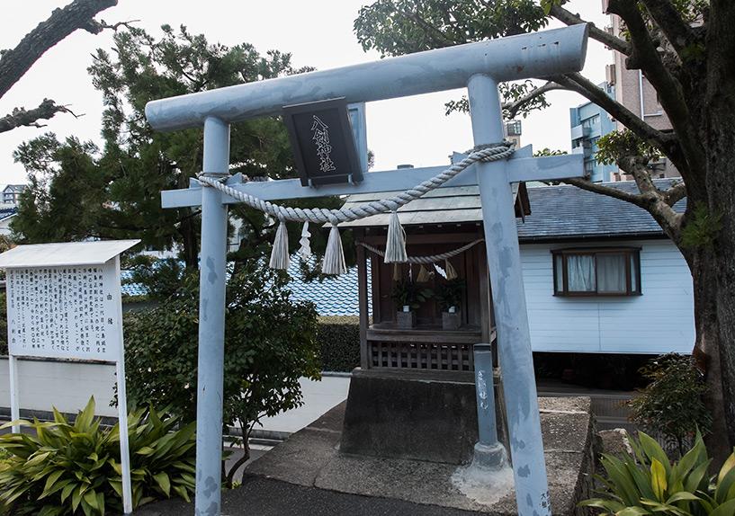 sanctuaire shinto ste en 3 lettres. Black Bedroom Furniture Sets. Home Design Ideas